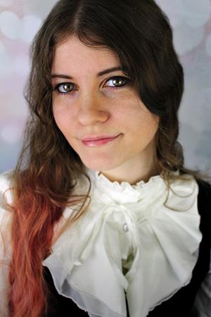 Author Beth Alvarez
